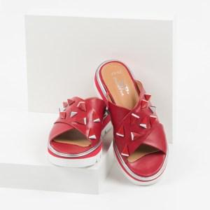 Дамски чехли в червен цвят-140563