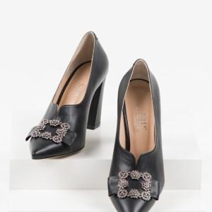 Кожени дамски обувки в черен цвят-241230