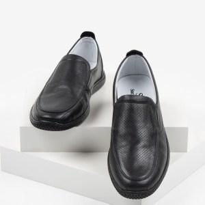 Мъжки обувки в черен цвят-0430114