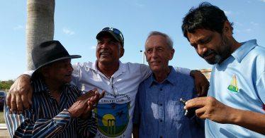 Alvin Kallicharran with SICC Members