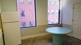 suite800-office-kitchen