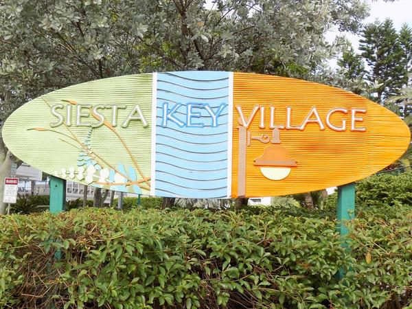 Arrival in Siesta Key Village, Sarasota Florida