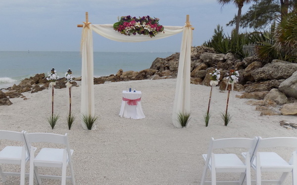 Sarasota Beach Weddings: The Sunset Hideaway Package Image 2