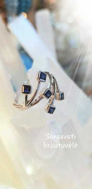 Žiedas su Safyrų