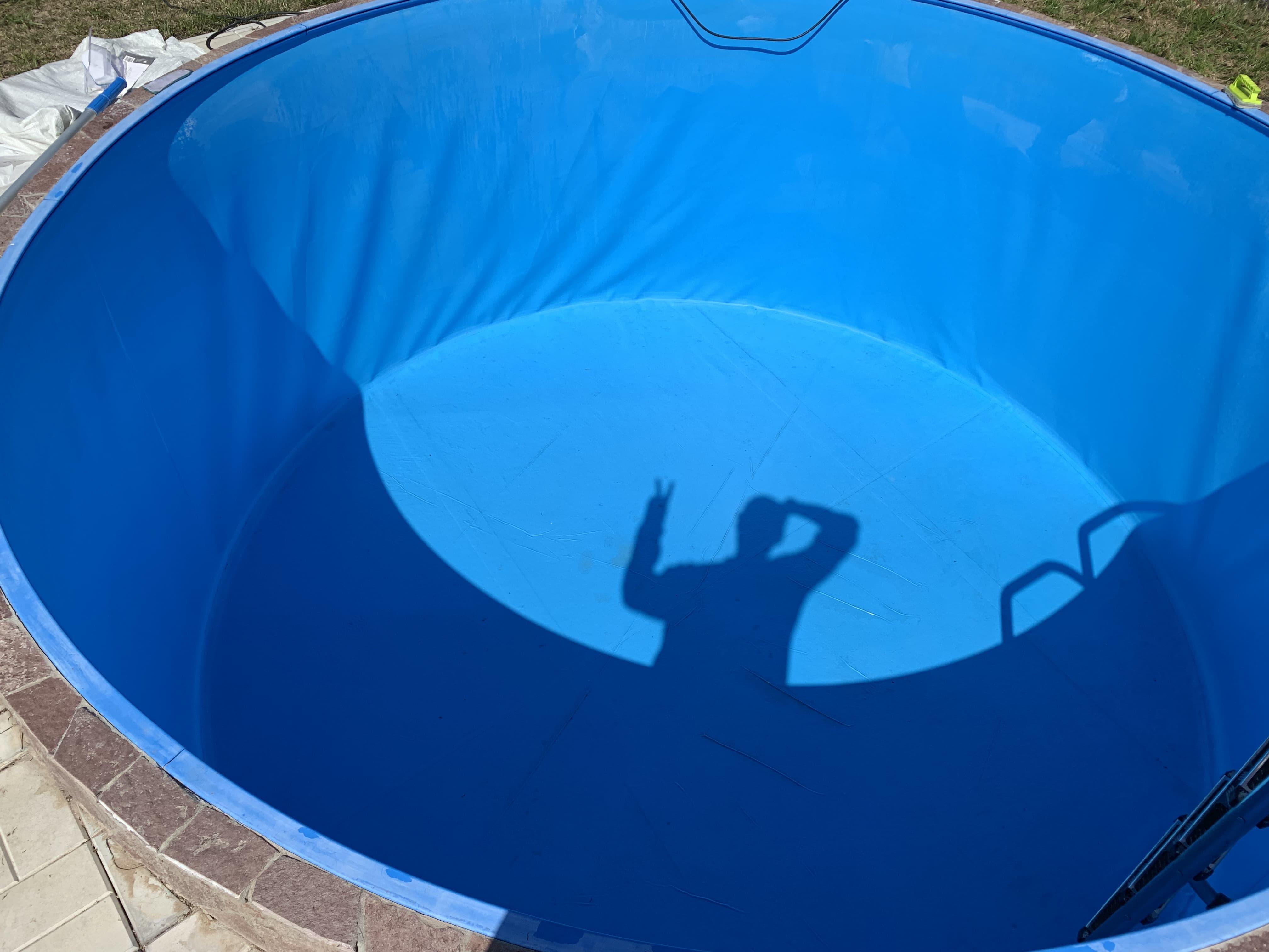 Моем бассейн после зимы