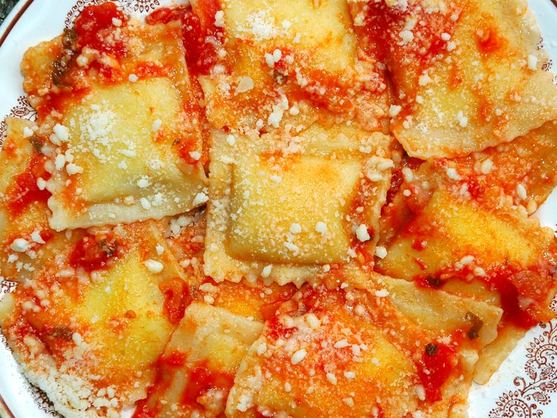Ravioli di ricotta e spinaci alla Sarda