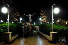 Medjugorje: veduta notturna del Cristo Risorto – Foto di Sardegna Terra di Pace – Tutti i diritti riservati