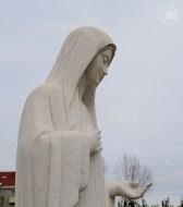 Medjugorje: statua della Regina della Pace (1) – Foto di Sardegna Terra di Pace – Tutti i diritti riservati