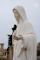 Medjugorje: statua della Regina della Pace (2) – Foto di Sardegna Terra di Pace – Tutti i diritti riservati