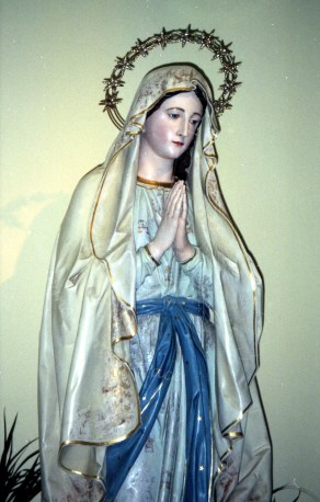 Medjugorje: statua della Madonna di Lourdes – Foto di Sardegna Terra di Pace – Tutti i diritti riservati