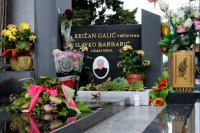 Medjugorje, Esaltazione della Croce 2014: tomba di Fra Slavko Barbaric (2) – Foto di Sardegna Terra di Pace – Tutti i diritti riservati