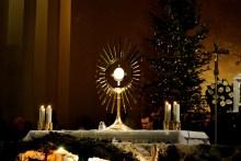 Medjugorje, Capodanno 2015: Adorazione Eucaristica (1) – Foto di Sardegna Terra di pace – Tutti i diritti riservati