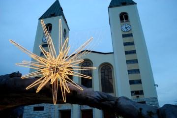 Medjugorje, Capodanno 2015: Chiesa di San Giacomo (3) – Foto di Sardegna Terra di pace – Tutti i diritti riservati