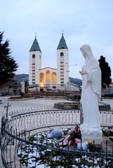 Medjugorje, Capodanno 2015: Chiesa di San Giacomo (4) – Foto di Sardegna Terra di pace – Tutti i diritti riservati