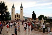 Medjugorje, Anniversario Apparizioni 2016: Chiesa di San Giacomo a Medjugorje (9) – Foto di Sardegna Terra di pace – Tutti i diritti riservati