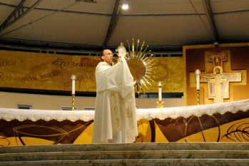 Medjugorje, Anniversario Apparizioni 2016: Santissimo Sacramento (2) – Foto di Sardegna Terra di pace – Tutti i diritti riservati