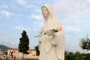 Medjugorje, Anniversario Apparizioni 2016: Statua della Regina della Pace (4) – Foto di Sardegna Terra di pace – Tutti i diritti riservati
