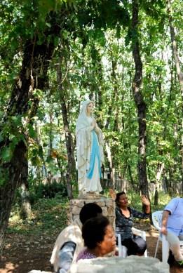Medjugorje, Esaltazione della Croce 2016: Statua presso suor Emmanuel – Foto di Sardegna Terra di pace – Tutti i diritti riservati