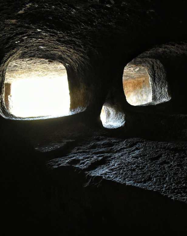Le domus de janas di montessu