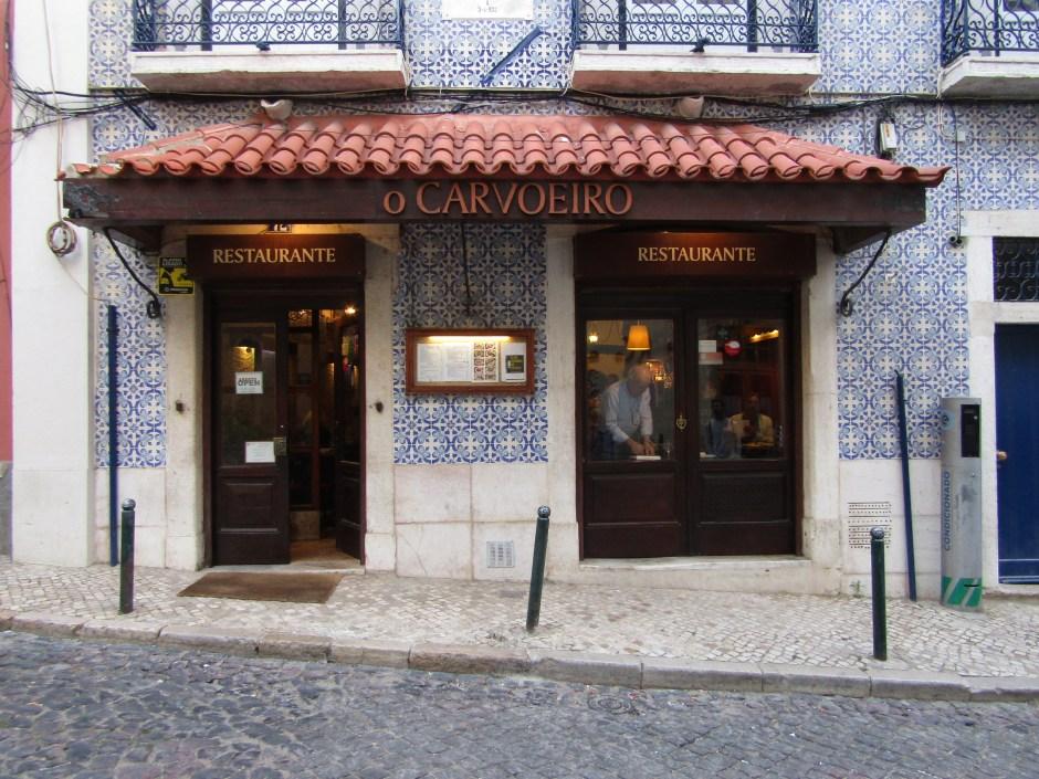 Le case di Lisbona ricoperte di azulejos