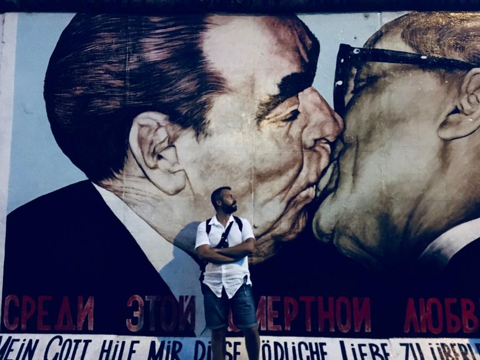 Il-bacio-muro-berlino