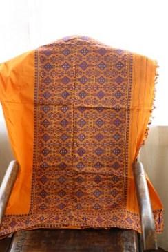 A gamusa design on a pat silk