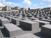 Ist Ihnen nicht eh schon alles bekannt über den Holocaust?