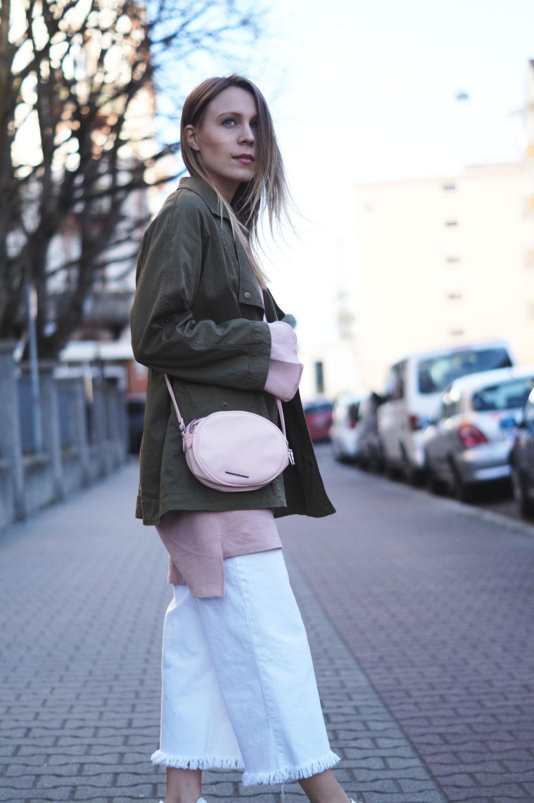 4d98a9b8add Blush Statement Sleeve Sweatshirt Kleid Adidas Gazelle White Denim Culotte  rosa Streetstyle Spring Look Frühlingsoutfit