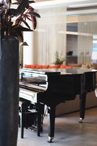 Hotel Review Travel Charme Ifen Hotel Kleinwalsertal Austria Österreich Hotelbewertung Lobby Klavier