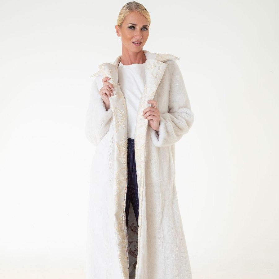 Шуба из норки бежевого цвета с отделкой из ткани | Sarigianni Furs