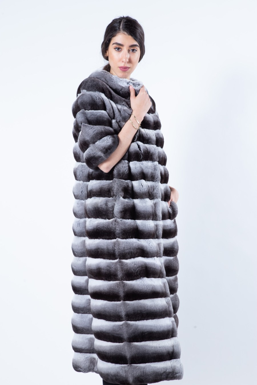 Chinchilla Fur Coat with short Sleeves   Sarigianni Furs