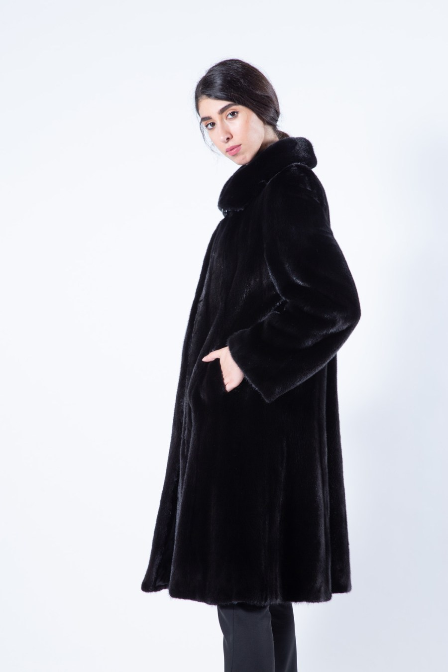 Blackglama Mink Fur Coat with regular sleeves | Sarigianni Furs