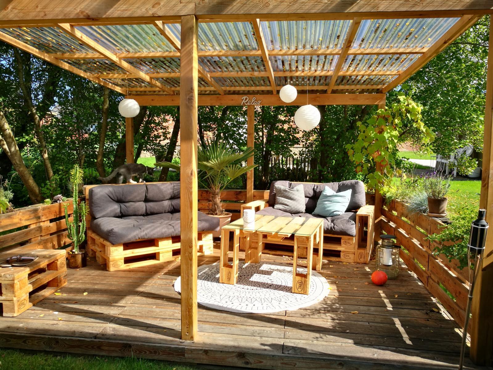 Terrasse Paletten Draußen Zu Hause Eine Terrasse Aus Paletten