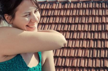 二の腕のザラザラやブツブツの原因と3つの肌質改善法!