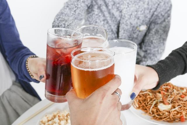 お酒を飲みながらダイエットのやり方と太らないお酒は?