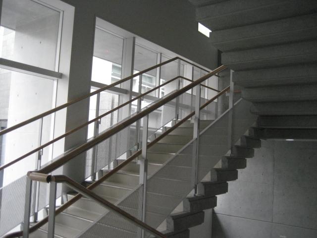 階段昇降や踏み台昇降ダイエットの効果と運動のやり方!