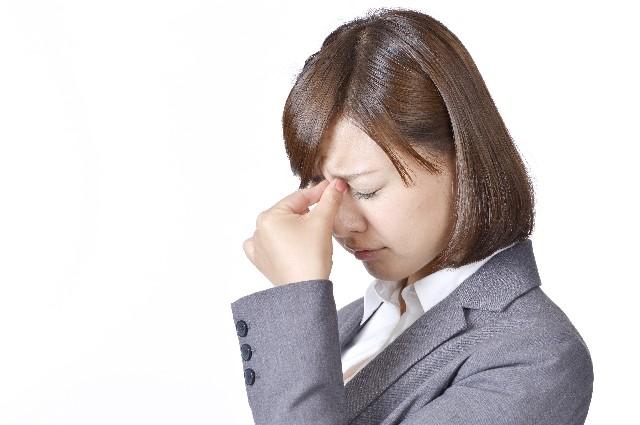 眼精疲労の原因と症状【頭痛や吐き気】などの対処や改善の仕方!