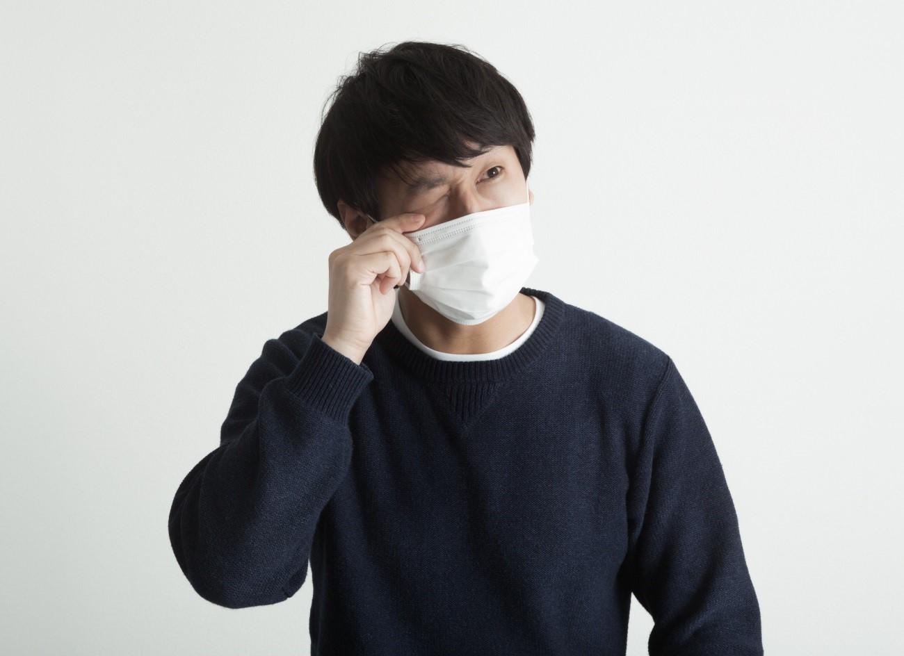 アレルギー性結膜炎の原因と対処や治し方!コンタクトの場合は?