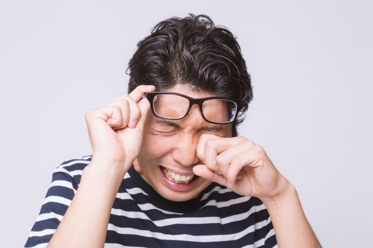 結膜炎の原因と対処や治し方!結膜炎はうつるの?