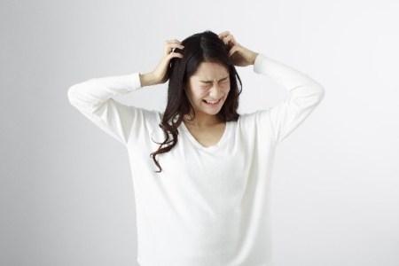 頭皮湿疹の原因と対処法や治療法!おすすめの市販薬は?