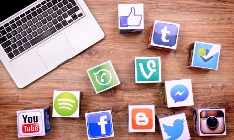 Social Media Market | social media influencers to corner rs 900 crore in 2021 grow to rs 2200 crore by 2025 inca india influencer report