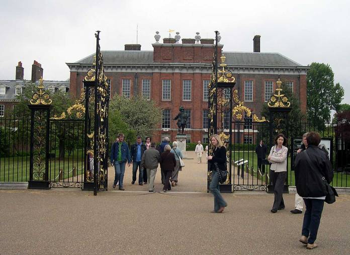 Entry to the State Apartments - housed close relatives for over 200 years