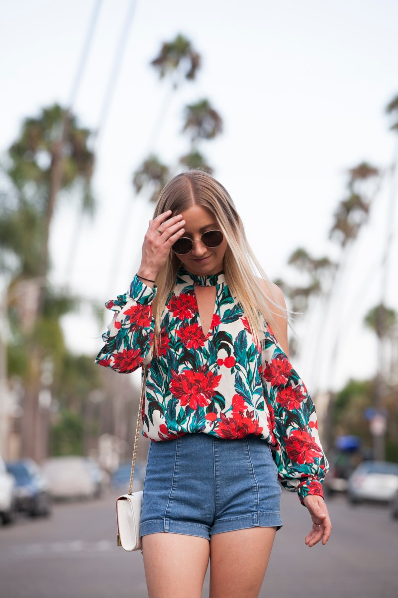 chloe-oliver-sartorially-oc-floral-serena-top-fall-blog-collaboration