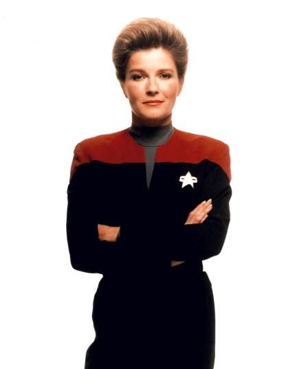 Captain-Janeway-captain-janeway-fan-club-10705758-1125-1400