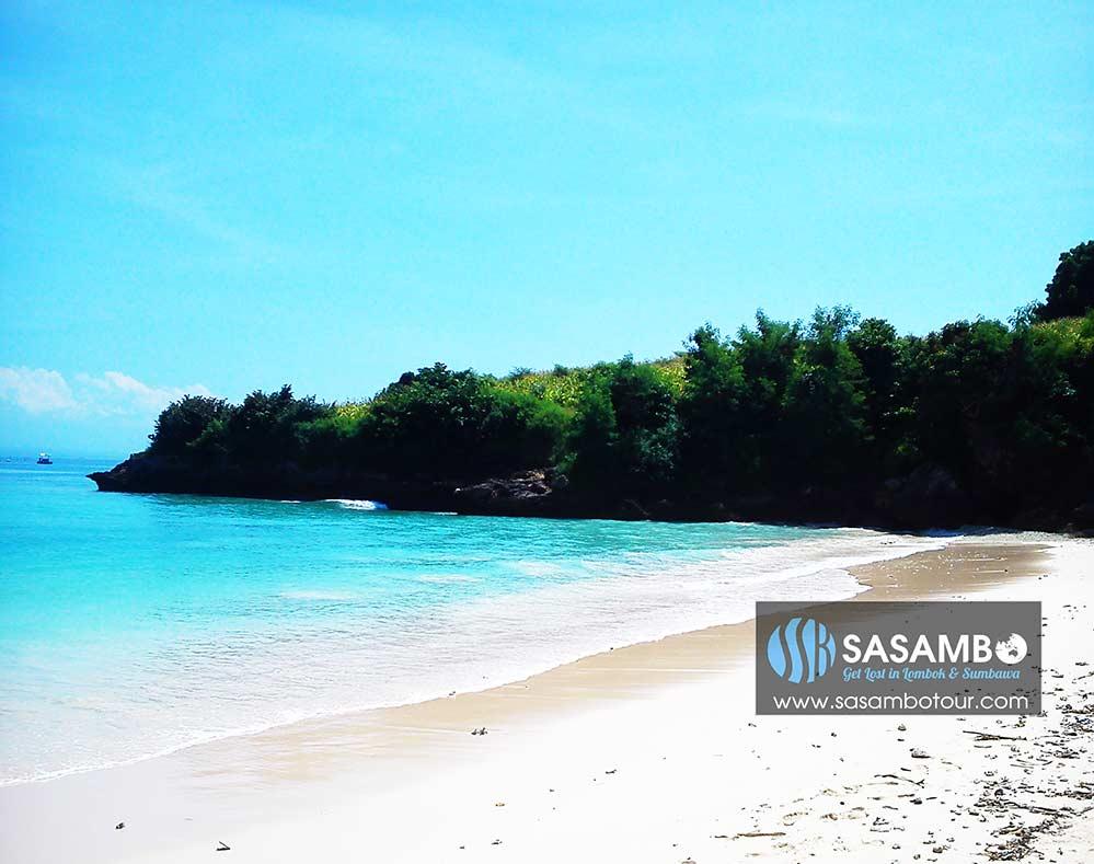 Pantai Segui Lombok Paket wisata pantai pink