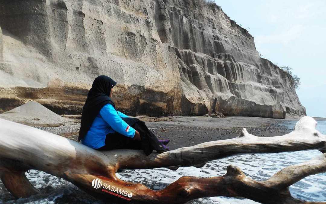 Pantai Tebing Lombok