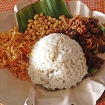 Kuliner Lombok Nasi Puyung