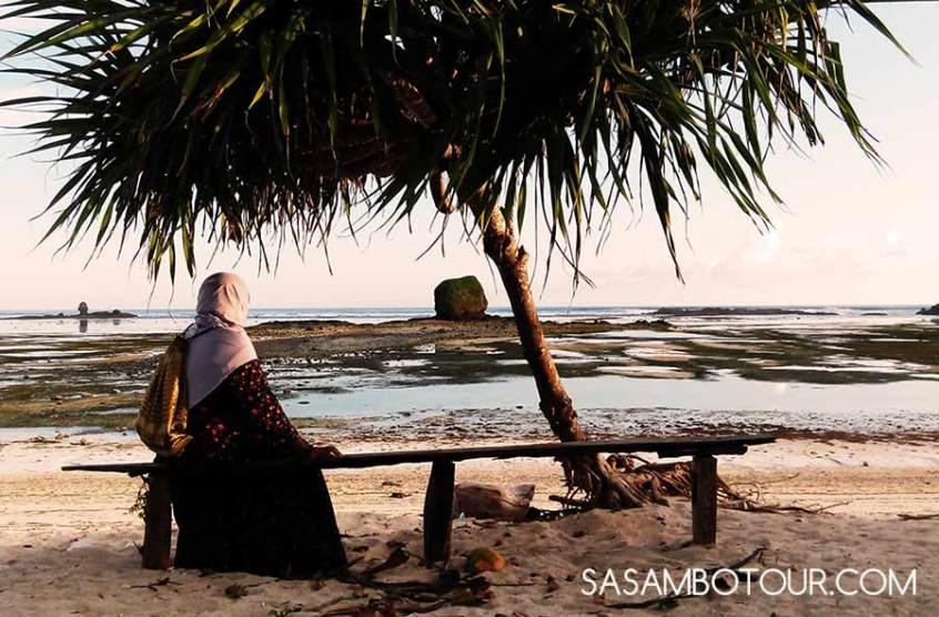 Pantai batu Tengkong Lombok Tengah