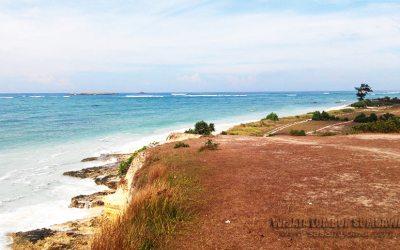Pesona Pantai Pandan di Lombok Timur