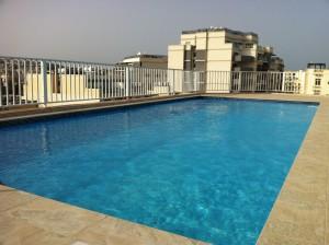 Pool auf dem Hoteldach